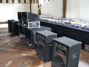 Classic Nomad Disco speakers/rig and collection of music for use at a wedding reception
